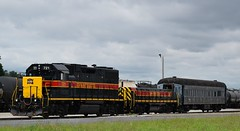 Iowa Interstate combo (David Sebben) Tags: iowainterstate railroad silvis illinois calf passenger car austin texas central