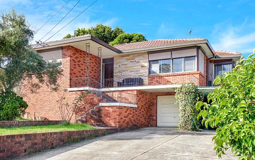 8 Palmerston Rd, Fairfield West NSW 2165