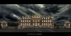 House of horror (mr.wohl) Tags: nacht schloss nordkirchen wasserschloss himmel dramatisch wolken nebel