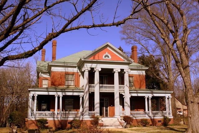 Savannah, TN Historic District: E.W. Ross House
