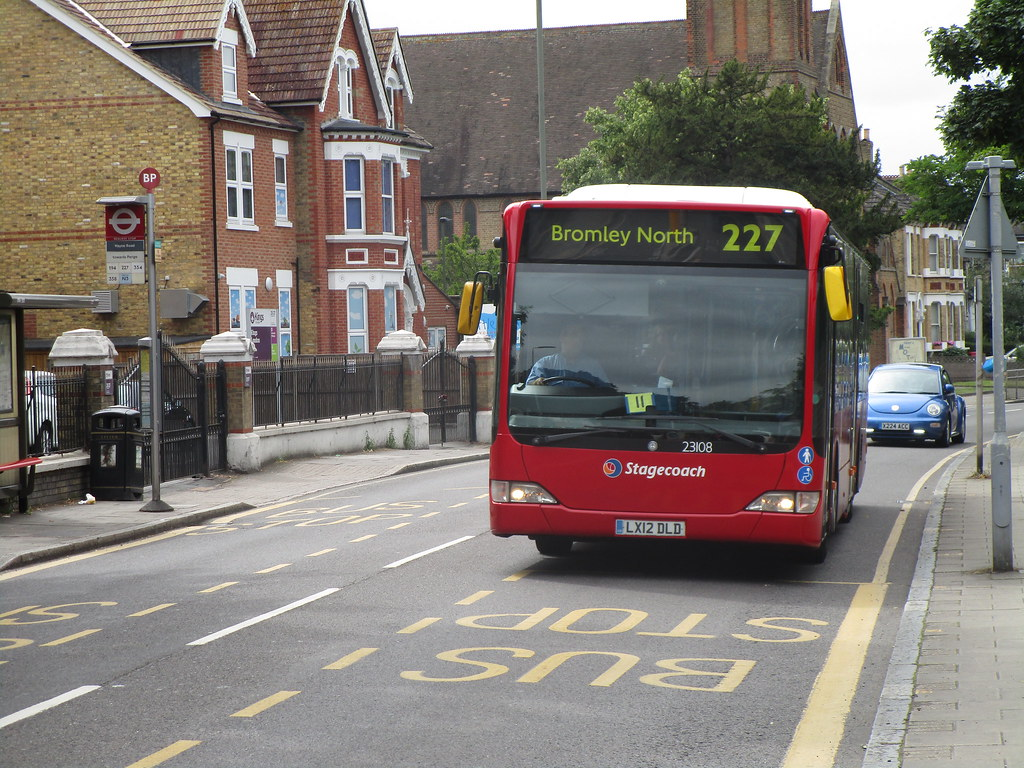 The world 39 s newest photos of citaro and london flickr hive mind - Mercedes benz garage london ...