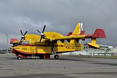 NOVA DECORACIÓ (Andreu Anguera) Tags: aeronave avión canadair cl215t grupo43 ud1330 santiagodecompostela andreuanguera