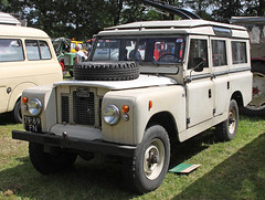 Landy Station Wagon (Schwanzus_Longus) Tags: bockhorn german germany uk gb great britain british old classic vintage england english car vehicle offroad offroader 4x4 kand rover series 2 ii 109 station wagon