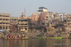 Varanasi - Burning Ghat (Rolandito.) Tags: asia india inde indien varanasi benares ganges ganga river burning ghat