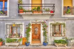 (519/17) Una casa (Pablo Arias) Tags: pabloarias photoshop photomatix nxd españa arquitectura casa edificio flores macetas puerta calpe alicante