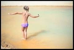 balance (ukke2011) Tags: nikonf100 nikkorafs5014g kodakektar100 film pellicola 135 analog analogico beach spiaggia sand sabbia balance equilibrio