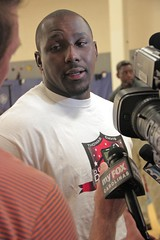 "thomas-davis-defending-dreams-foundation-leadership-academy-billingsville-0036 • <a style=""font-size:0.8em;"" href=""http://www.flickr.com/photos/158886553@N02/37042821651/"" target=""_blank"">View on Flickr</a>"