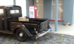 Posto Musse & Irmão, 1944 (Giovani Gabriel) Tags: dog ford miniature diorama diecast gas station