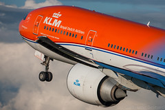 Boeing 777-300ER KLM Royal Dutch Airlines PH-BVA cn 35671/694 (Guillaume Besnard Aviation Photography) Tags: eham ams amsterdam schipholairport amsterdamschiphol planespotting polderbaan amsterdamschipholairport canoneos canonef500f4lisusm canoneos1dsmarkiii boeing777300er klm royaldutchairlines phbva cn35671694 orangepride nationaalparkdehogeveluwe boeing777