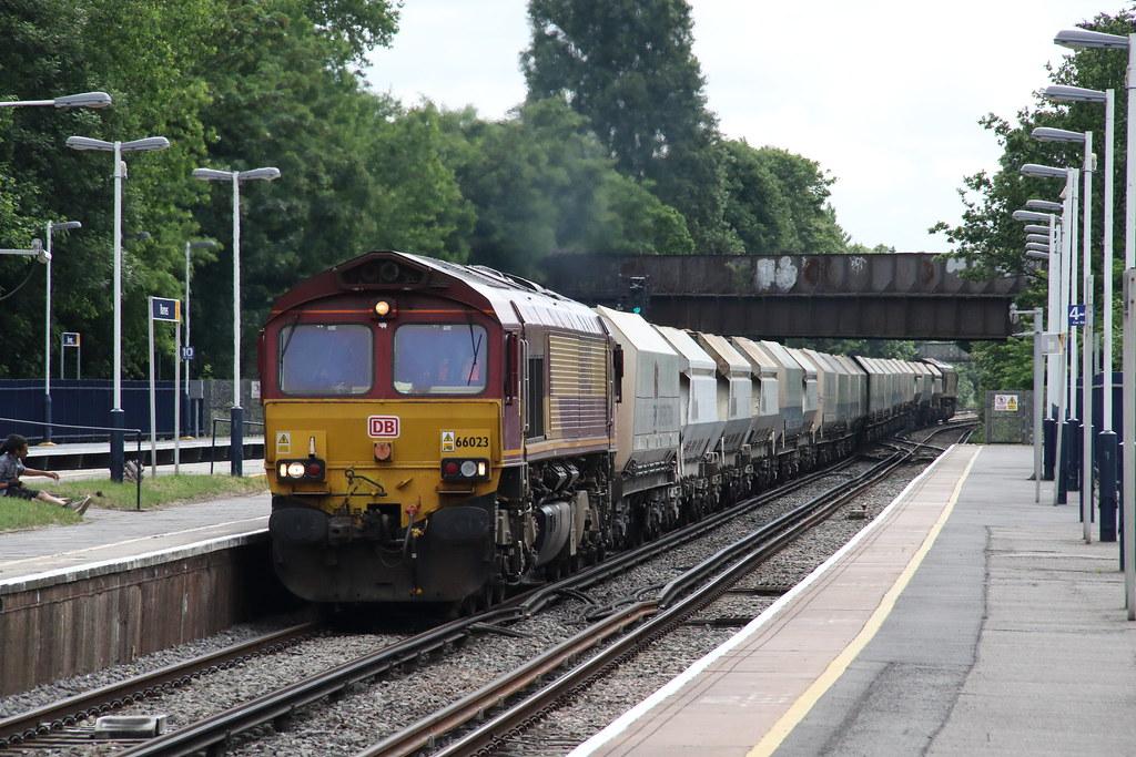 66023 Barnes, London (Paul Emma) Tags: uk england london railway railroad  dieseltrain