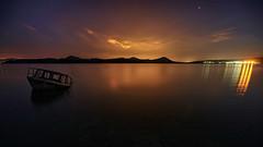 La barca a Medianoche - The boat at midnight (teredura58) Tags: landa barca medinoche nocturna