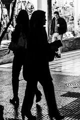 Al Paso (Oxkar G) Tags: canon t3 chile santiago calle exterior city ciudad lente manual ruso helios 44m5 blanconegro blanco negro noir blanc blackwhite monocromo gente m42