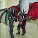 Cosplayer mit Drachen-Kostümen Gamescom
