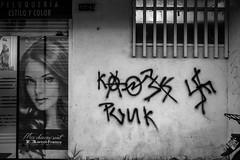 231 - agosto 19 (Galo Naranjo) Tags: grafitti pradoveraniego esvástica svastic ss punk bogotá colombia marcelfrance lóreal peluquería estilo color mescheveuxsont
