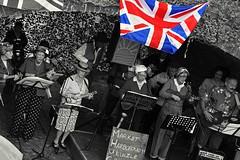 Singers (nickym6274) Tags: stokebruernevillageatwar2017 stokebruerne canal marketharborough singers ukulele unionjackflag bridge