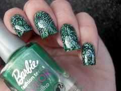 Barbie - Fabulous + BP-83 (Barbara Nichols (Babi)) Tags: barbie fabulous verde esmalteverde green greennailpolish greennails carimbo carimbada nailart