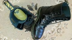 20161228_143342 (rugby#9) Tags: drmartens boots icon size 7 eyelets doc martens air wair airwair bouncing soles original hole lace docmartens dms cushion sole yellow stitching yellowstitching dr comfort cushioned wear feet dm 10hole black 1490 10 docs doctormartenboot indoor footwear shoe boot