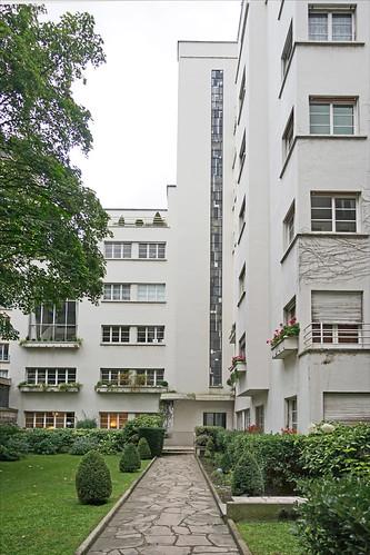 Immeuble de Mallet-Stevens (Paris)
