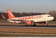 Airbus A320 -214 EASYJET HB-JXE 5785 Mulhouse décembre 2015 (Thibaud.S.Photographie) Tags: airbus a320 214 easyjet hbjxe 5785 mulhouse décembre 2015