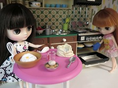 August 17, 2017 - Blythe a Day - Nothing' says lovin' like something from the oven