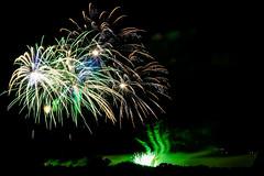 Firework (Elowi) Tags: fireworks feuerwerk color farben light dark shadow schatten licht dunkel pyro fire feuer us smoke qualm hannover himmel sky contest
