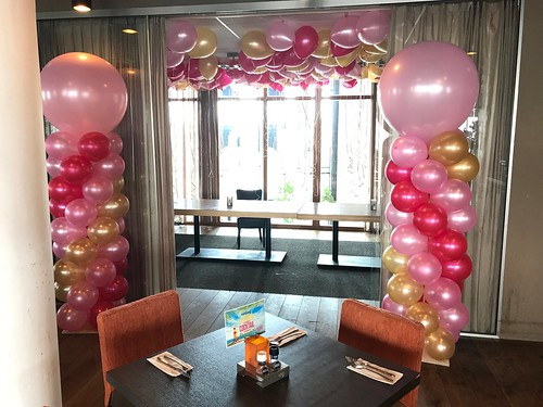 Ballonpilaar Breed Rond Restaurant Vandaag Utrecht