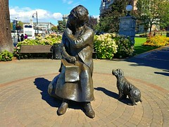 Old woman and her dog (walneylad) Tags: victoria britishcolumbia canada downtown publicart sculpture scenery view summer august afternoon sun shade bluesky