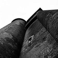 Cité épiscopale d'Albi (Jb Clapier) Tags: briques architecture tarn noiretblanc blanckandwhite minimal canoneos5ds ef2470mmf28liiusm brick nb canon