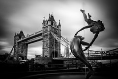 Tower bridge, Dolphin and girl fountain (Jonathan Vowles) Tags: dolphin towerbridge london fountain