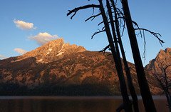 TETONS (dayvmac) Tags: tetons wyoming jacksonhole mountains scenic landscape dawn lake scenery