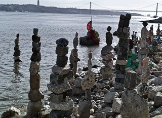 Urban Art, made with stones obtained from the Tagus River