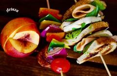 (artuza) Tags: kabob kabobs pinchos sandwich sandwinch peach durazno