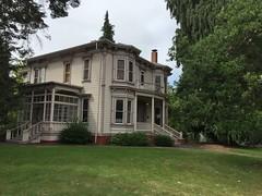 Collier House (1886).  University of Oregon, Eugene Oregon.  August 12 2017. (Dan Haneckow) Tags: 2017 eugene uofo italianate houses