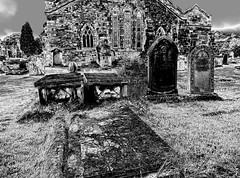 St Mary's Church, Kirkby Lonsdale (Snapshooter46) Tags: stmaryschurch kirkbylonsdale graveyard churchyard blackandwhite monochrome photosketch graves tomb church