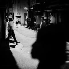 crossroads/十字路 (s_inagaki) Tags: crossroads tokyo snap monochrome blackandwhite jupiter850mmf2 十字路 東京 スナップ モノクロ 白黒