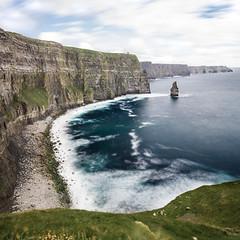 Lonely Rock (Fabian Fortmann) Tags: ireland irland cliffs moher klippen meer water sea coast küste summer vacation landscape explore hike roam