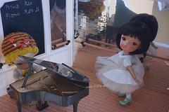 My so talented Ran & Ren🎵 (cute-little-dolls) Tags: secretdoll person21 person04 bjd tinybjd piano ballerina balletstudio miniature friends talent kawaii gift friendship toy