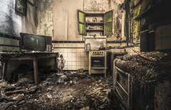 Cooking with love provides food for  the soul (Marco Bontenbal (Pixanpictures.com)) Tags: nikon d750 tamron 1530 lost abandoned decay decayed hidden urbex urban ue urbanexploring europe eu exploring kitchen tv oven lov foo forgotten soul photography pixanpictures world belgium beautiful mysterious maison house alone natural light naturallight cooking cook