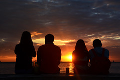 sunset Manila Philippines (ichauvel) Tags: sunset coucherdesoleil couples gens people nature extreieur outside manille manila philippines iledeluzon luzonisland asiedusudest southeastasia asie asia voyage travel janvier january mer sea