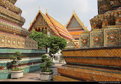 Wat Pho, Bangkok, Thailand (JH_1982) Tags: wat pho po วัดโพธิ์ 卧佛寺 ワット・プラチェートゥポンウィモンマンカラーラーム 왓 포 ват пхо buddhist buddhism religion spiritual architecture architektur landmark building historic historisch unesco world heritage site bangkok krung thep maha nakhon กรุงเทพมหานคร 曼谷 バンコク 방콕 бангкок thailand ราชอาณาจักรไทย thaïlande tailandia thailandia 泰国 タイ王国 타이 таиланд