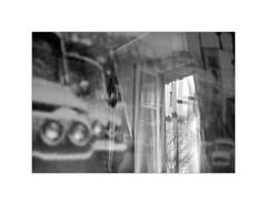 Paris. 2009 (José Luis Cosme Giral) Tags: moments window car reflection paris2009