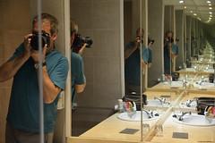 Yo…yo…yo…yo... (Carlos Arriero) Tags: carlosarriero yo i infinito composición composition nikon d800e tamron 2470f28 espejo mirror diagonal fineart reflections reflejo autoretrato retrato portrait infinite