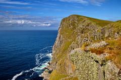 Runde fuglefjell -|- Bird mountain (erlingsi) Tags: rundeisland mountain klipper cliffs birds birdmountain norway noreg norwegen sunnmøre europe scandinavia north sea northsea climbing steep bratt