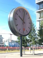 "SBB-Uhr am Hauptsitz • <a style=""font-size:0.8em;"" href=""http://www.flickr.com/photos/79906204@N00/36147967500/"" target=""_blank"">View on Flickr</a>"