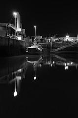 Port de pêches de la Turballe (Didier Ensarguex) Tags: nuit eau mer didierensarguex laturballe portdelaturballe port bateauxdepeches 247028 canon 5dsr 44 loireatlantique breizh bretagne reflet nb reflexion