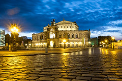 Semperoper Dresden (SPfaffinger) Tags: sachsen deutschland germany licht light night nachgt semperoper opera sky semper dresden