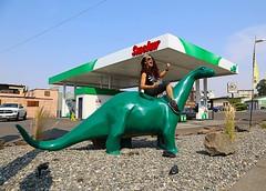 Sinclair Dinosaur - The Dalles, Oregon (Vintage Roadside) Tags: vintageroadside thedalles sinclairdinosaur dino medusirena roadtrip fiberglassstatue columbiagorge gasstation oregon sinclair