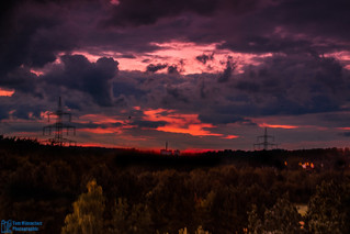 Sky in red... #photography #canon #dsrl #lightroom #photoshop