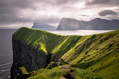 High cliffs (dam.he) Tags: faroe leicaq nordinseln meer kunoy bay mountains northatlantic føroyar klippen färöerinseln cliffs viðoy felsen berge kalsoy faroeislands northislands leica färöer kalsoyisland bucht