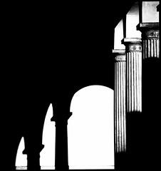 Friedenskirche Kreuzgang (Sciurus vulgaris) Tags: potsdam sanssouci bw sw kreuzgang sakrales